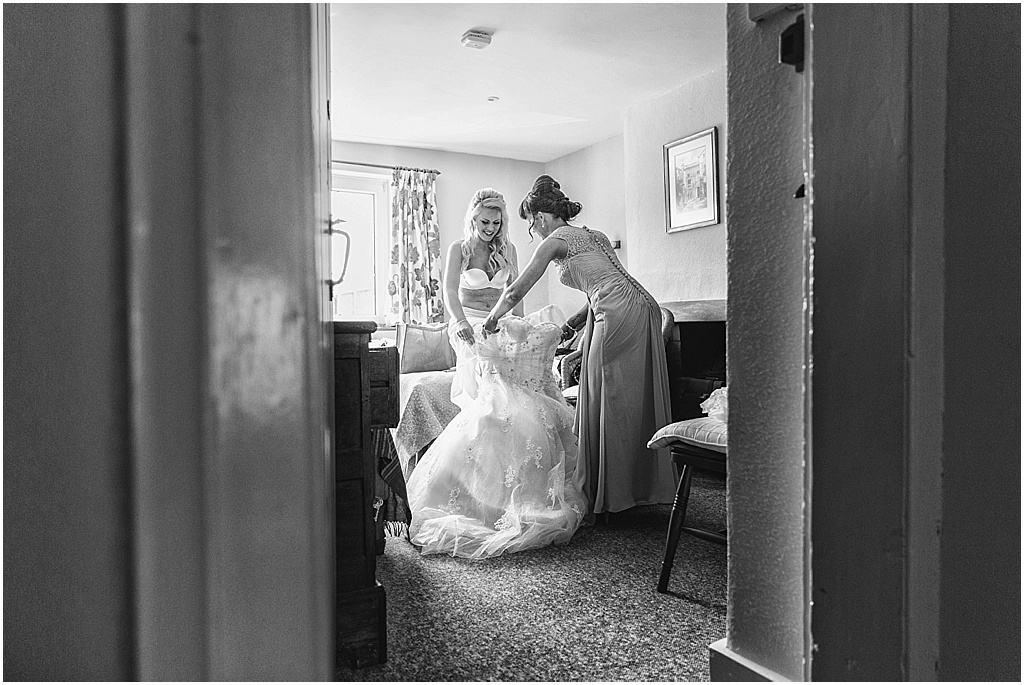 UK wedding photographer Lains Barn Oxfordshire - Fiona & Matt_2766