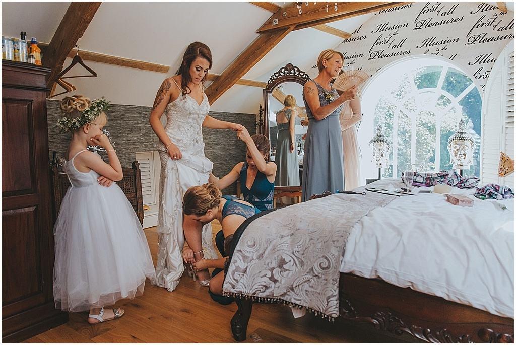 Festival wedding - Woodhill hall wedding photographer_3263